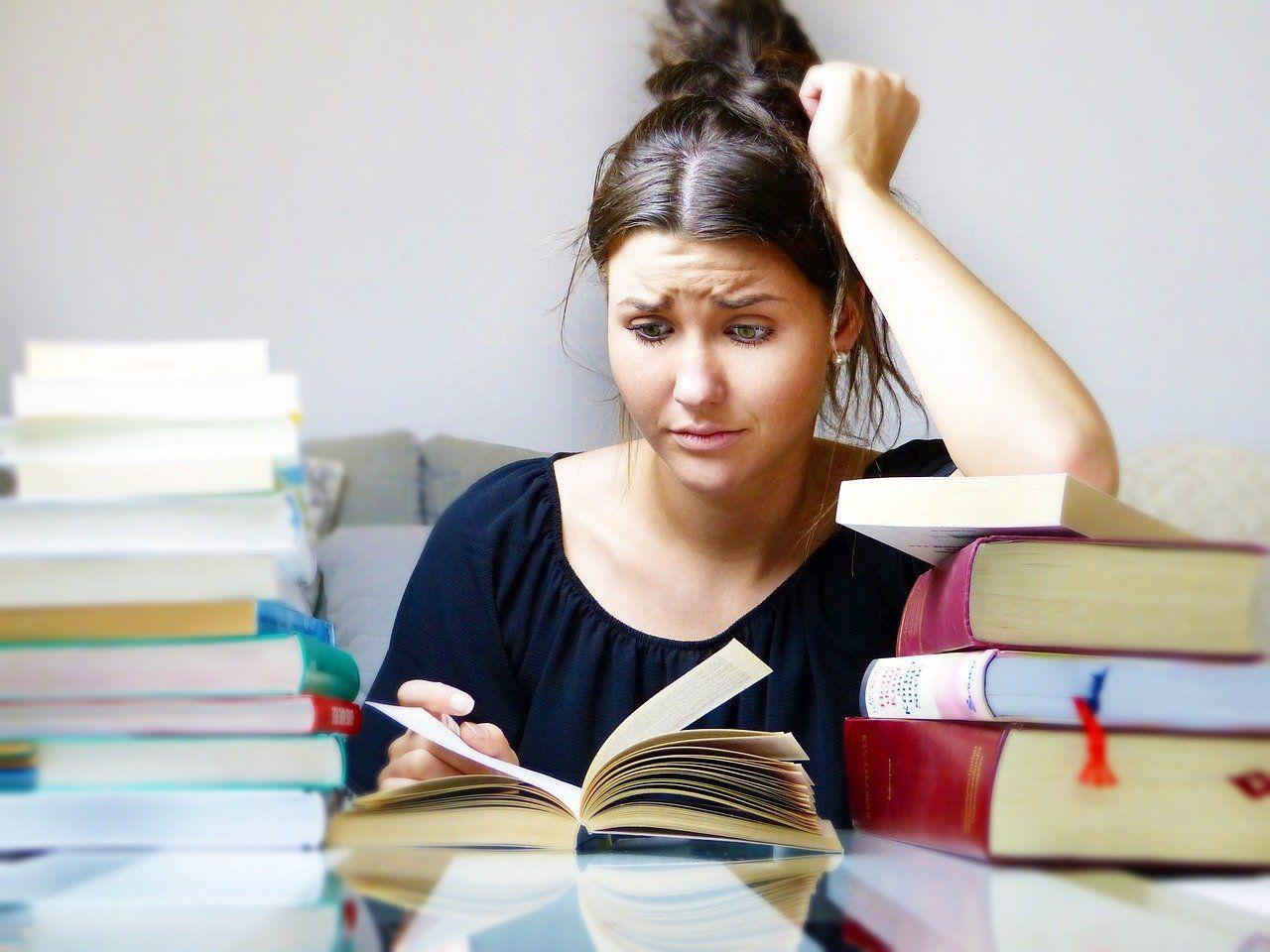 Studie: Gymnasiallehrer arbeiten im Schnitt über 45 Stunden pro Woche