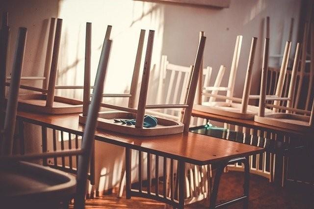 Ärztekammerpräsident plädiert für Unterricht im Schichtbetrieb