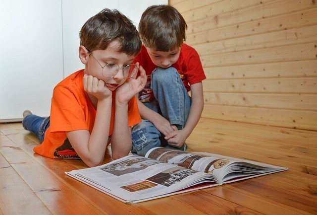 Wer gut liest, lernt auch zuhause besser: Lernen im Lockdown - was Kindern hilft und Lehrende tun können