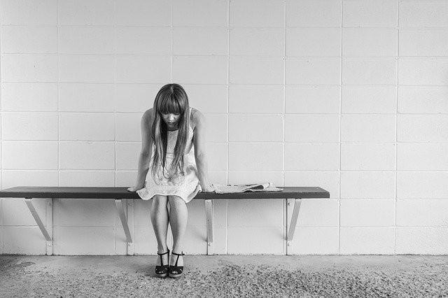 Studie: Alarmierend hohe Belastung in Bezug auf Depressions- und Essstörungssymptomatik während der Corona-Pandemie
